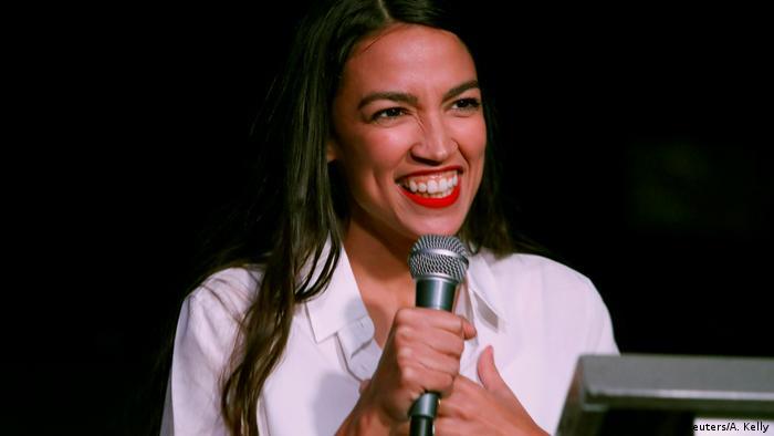 Es la congresista más joven de todos los tiempos: con 29 años de edad, la demócrata Alexandria Ocasio-Cortez obtuvo una banca en la Cámara de Representantes.