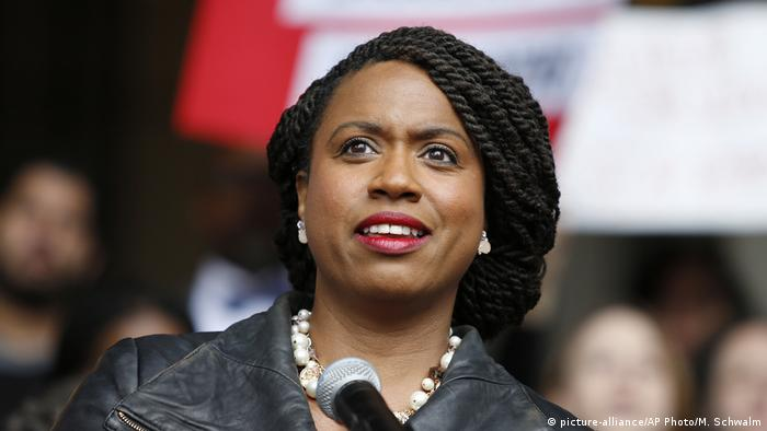 Ayanna Pressley (picture-alliance/AP Photo/M. Schwalm)