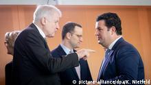 Berlin, Bundeskabinett: Horst Seehofer und Jens Spahn