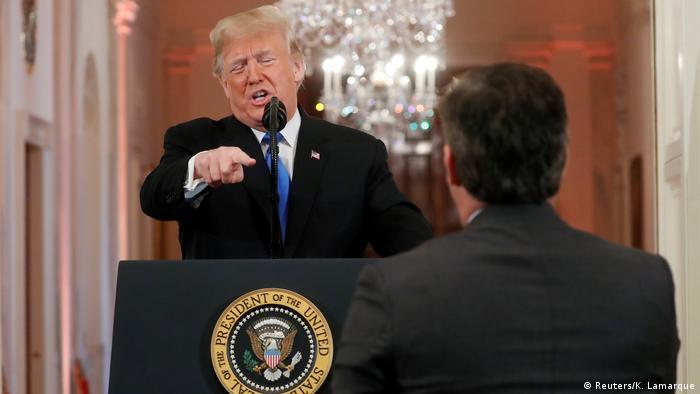 USA Halbzeitwahlen 2018 | midterms | Eklat Jim Acosta, CNN & Donald Trump, Präsident (Reuters/K. Lamarque)