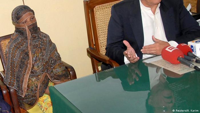 Оправданная в Пакистане христианка хочет переехать в Германию