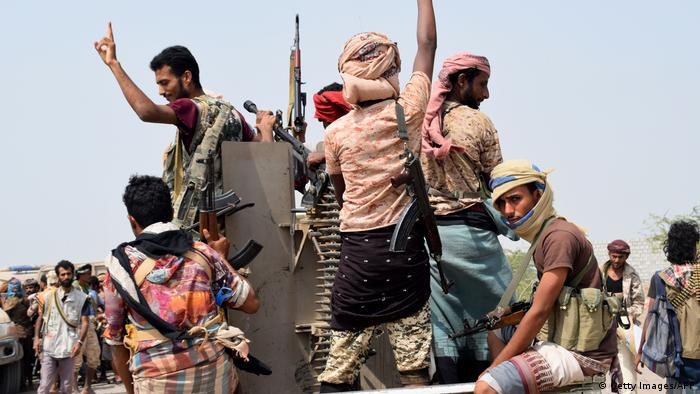 Yemeni pro-government forces advancing (Getty Images/AFP)