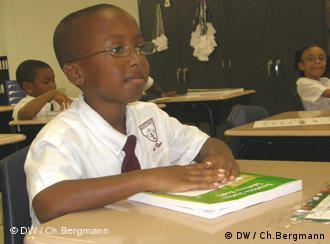 Mehr Disziplin, aber auch mehr Transparenz - der 7-jährige Michael findet seine Schule gut.