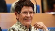 Die frühere Bundestagspräsidentin Rita Süßmuth (CDU) lächelt am 23.11.2016 in Berlin während der Vorstellung der Seiters-Autobiografie Vertrauens-Verhältnisse. Foto: Soeren Stache/dpa | Verwendung weltweit