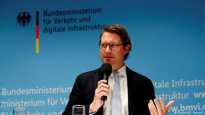 Deutschland, Berlin: Verkehrsminister Andreas Scheuer hält eine Pressekonferenz