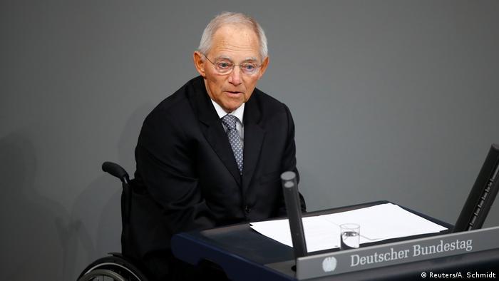 Bundestagspräsident Wolfgang Schäuble: Es ist gut, dass junge Leute Druck machen (Foto: Reuters/A. Schmidt)
