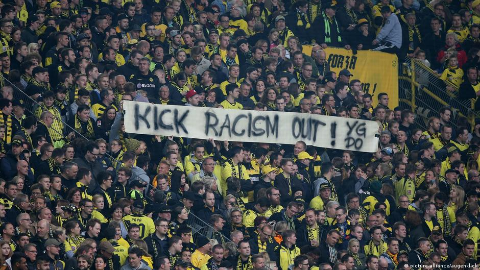 Fear On The Yellow Wall Borussia Dortmund Ultras Threatened By Right Wing Hooligans Sports German Football And Major International Sports News Dw 19 11 2018