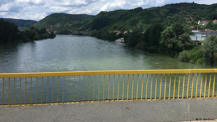 Grenzfluss Drina zwischen Serbien und Bosnien (D. Dedovic)