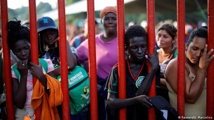 BdTD Migranten in Notlager Matias Romero Mexiko (Reuters/U. Marcelino)