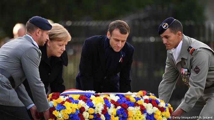 Merkel und Macron Gedenkstätte Compiegne Erster Weltkrieg   Waffenstillstand 1918 (Foto: Getty Images/AFP/A. Jocard)