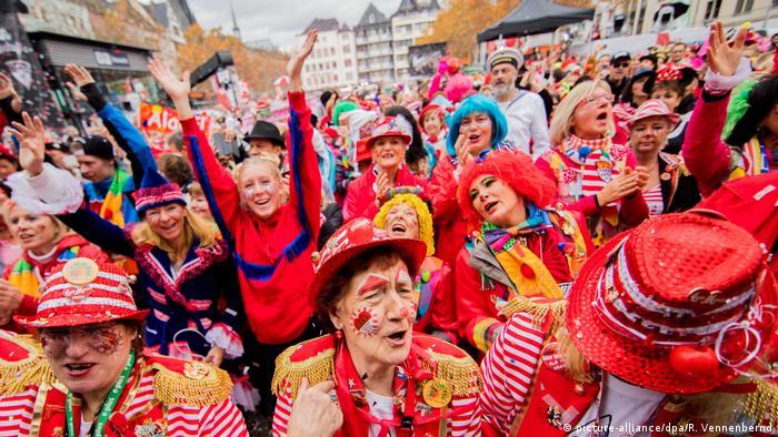 Deutschland Karneval in Köln (picture-alliance/dpa/R. Vennenbernd)