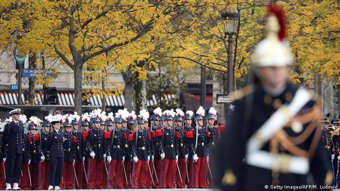 Republican guards marching (Getty Images/AFP/M. Ludovic)