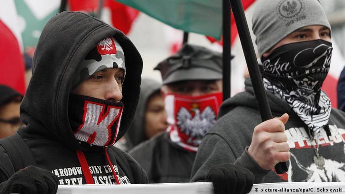 Polen Demo zum Unabhängigkeitstag (picture-alliance/dpa/C. Sokolowski)