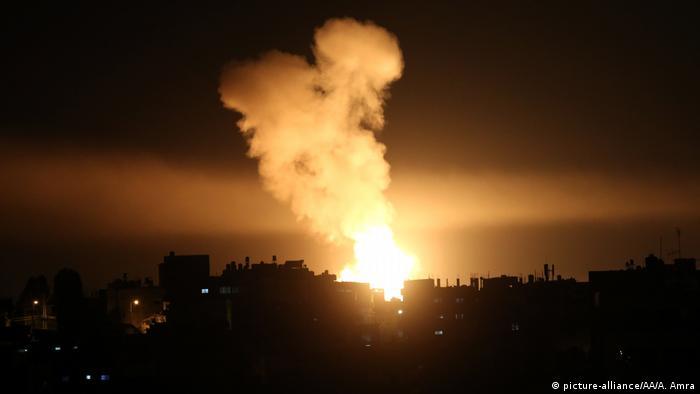 Gaza Rafah israelischer Luftangriff (picture-alliance/AA/A. Amra)