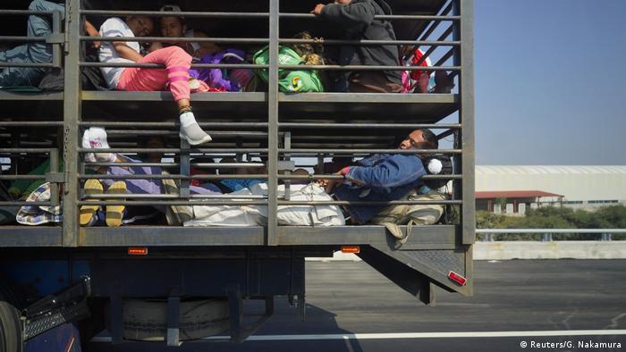 Mexiko Flüchtlinge Karawane Viehtransporter (Reuters/G. Nakamura)