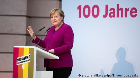 Меркель незадоволена кількістю жінок у Бундестазі