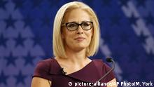 USA Wahlkampf 2018 | Kyrsten Sinema, Republikaner Arizona (picture-alliance/AP Photo/M. York)