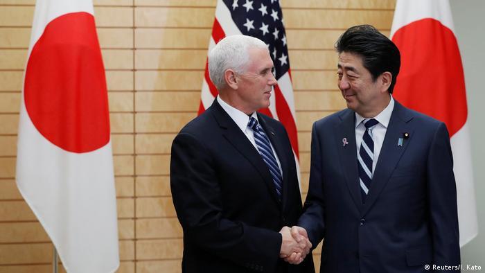 El vicepresidente estadounidense, Mike Pence, y el primer ministro nipón, Shinzo Abe, insistieron en la necesidad de mantener la presión internacional hasta lograr que el régimen abandone sus armas nucleares.(13.11.2018).