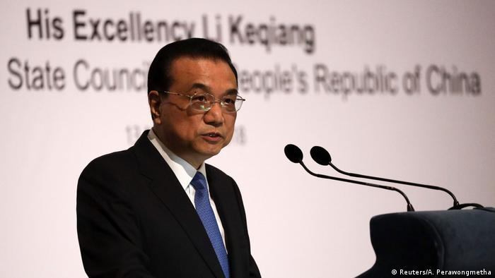 Chinas Ministerpräsident Li Keqiang bei seiner Rede in Singapur (Foto: Reuters/A. Perawongmetha)