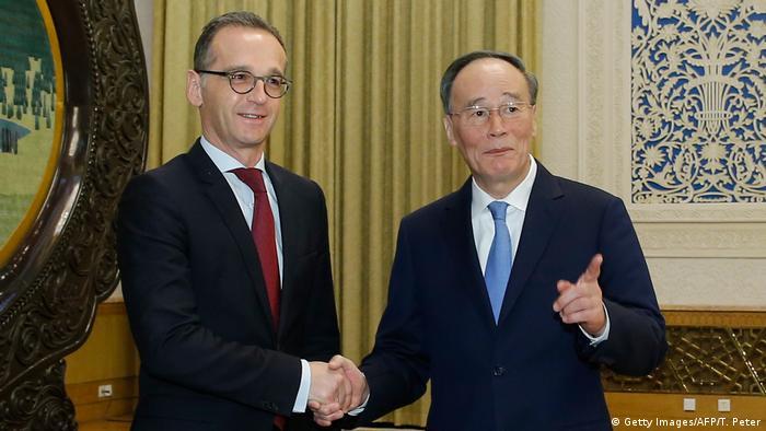 Bundesaußenminister Heiko Maas mit Chinas stellvertretendem Präsidenten Wang Qishan (Foto: Getty Images/AFP/T. Peter)