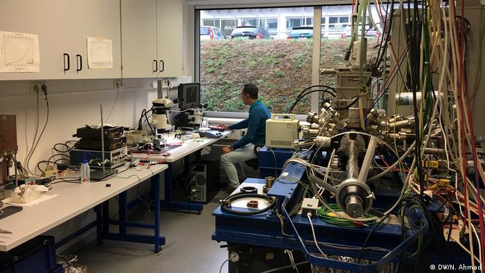 RWTH Aachen - I Putu Eka Widya Pratama studiert und forscht in Aachen (DW/N. Ahmad)