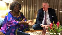 Peter Limbourg mit Brigitte Adjamagbo-Johnson (Opposition oppositionsführerin in Togo)