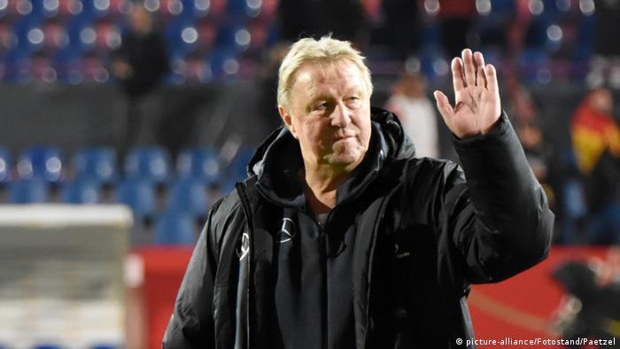 Laenderspiel Damen -Deutschland vs. Italien - Trainer Horst Hrubesch