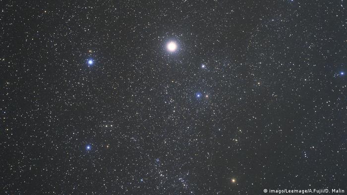 Der Stern Capella (imago/Leemage/A.Fujii/D. Malin)