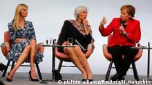 Stühle der Macht Ausstellung
