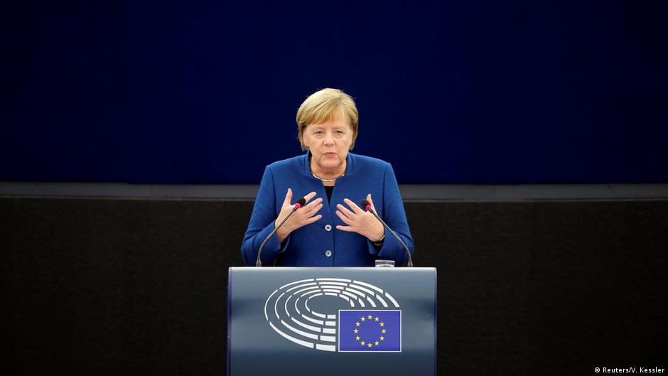 Merkel flet për Europën në Strasburg  Ushtri europiane