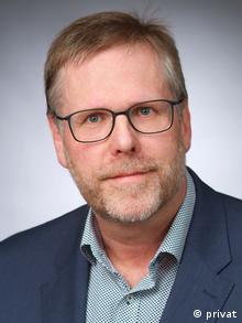 Henning Dimpker, Diplom-Sozialarbeiter und Schuldnerberater in Bonn