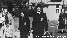 Juden vor der Deportation Amsterdam 1943
