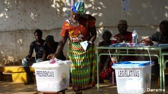 President of Guinea-Bissau, José Mário Vaz, in the voting (DW/B. Darame)