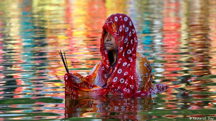 BdTD Indien Hindu-Festival Chhath Puja (Reuters/J. Dey )