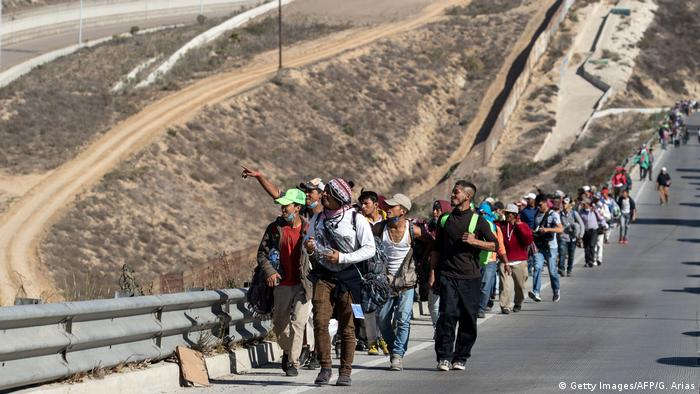 Migrants on the US - Mexico- border (Getty Images/AFP/G. Arias)