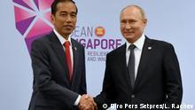 Treffen zwischen Vladimir Putin und Präsident Joko Widodo am ASEAN-Gipfel in Singapur. Die Bilder werden von der indonesischen Regierung zur Verfügung gestellt.