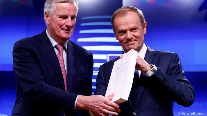 Negotiator Michel Barnier with EC President Donald Tusk