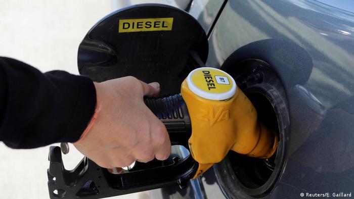 Symbolbild Diesel (Reuters/E. Gaillard)
