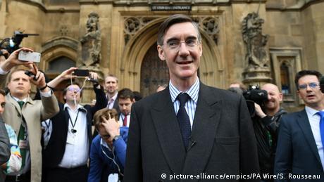 У Консервативній партії Великобританії вимагають вотуму недовіри Терезі Мей