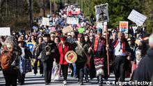 Kanada British Columbia - Protestmarsch gegen Kinder Morgan Trans Mountain Pipeline erweiterung (Rogue Collective)
