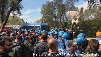 Διαδήλωση κατά την κατασκευή του αγωγού στην Απουλία της Ιταλίας