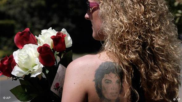 Michael Jackson, tattoo, perfume, germany
