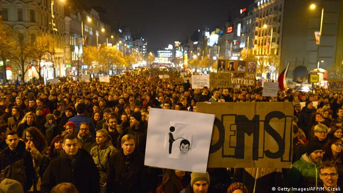 Anti-Babis demonstrations in Prague (Getty Images/AFP/M. Cizek)