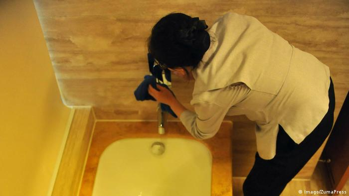 China hotels red-faced after dirty cleaning practices revealed