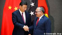 Papua-Neuguinea APEC-Gipfel in Port Moresby | Xi Jinping, Präsident China & Peter O'Neill (Reuters/D. Gray)