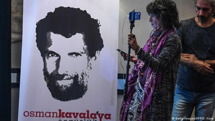 Türkei PK zu Osman Kavala, 1 Jahr nach seiner Verhaftung (Getty Images/AFP/O. Kose)