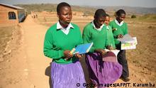 Tansania Schülerinnen