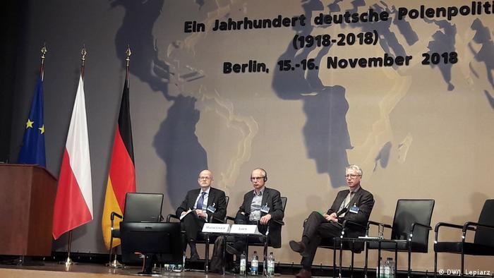 Od lewej: Stephan Lehnstaedt, Paweł Machcewicz, Peter Oliver Loew