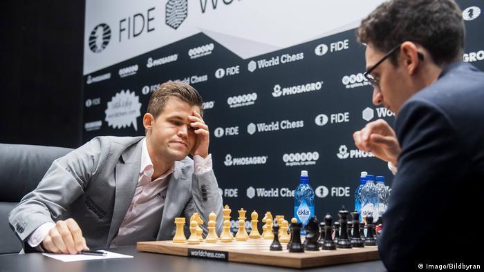 Schachweltmeisterschaft 2018 | Magnus Carlsen vs. Fabiano Caruana | 2. Partie