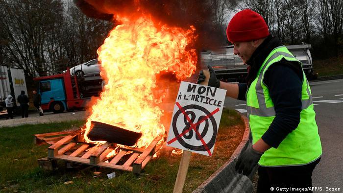 Frankreich Albertville Proteste gegen steigenden Benzinpreis (Getty Images/AFP/S. Bozon)